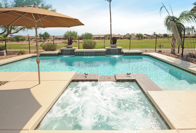 Homes with private pool in Sun Lakes Oakwood