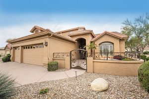 23706 S Berrybrook Dr Sun Lakes AZ offers the whole package or active adult living!