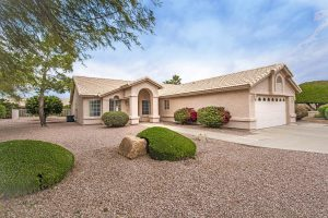 Snowbirds and year round residents love 9226 E Coopers Hawk Dr Sun Lakes AZ