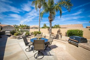 Get ready to entertain in this back yard in Oakwood Community Sun Lakes AZ!