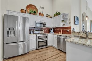 24607 S Golfview Dr. under contract in 1 day with a gorgeous kitchen.